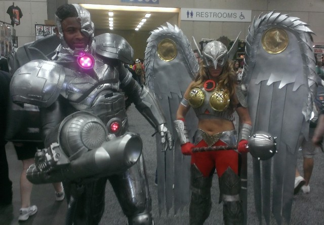 Cyborg and Hawkgirl @ SDCC