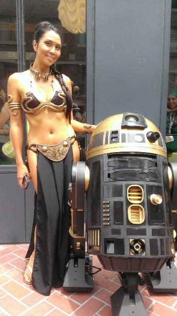 Golden Slave Leia & R2D2