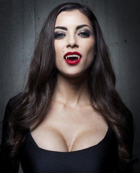 LeeAnna Vamp's Bite
