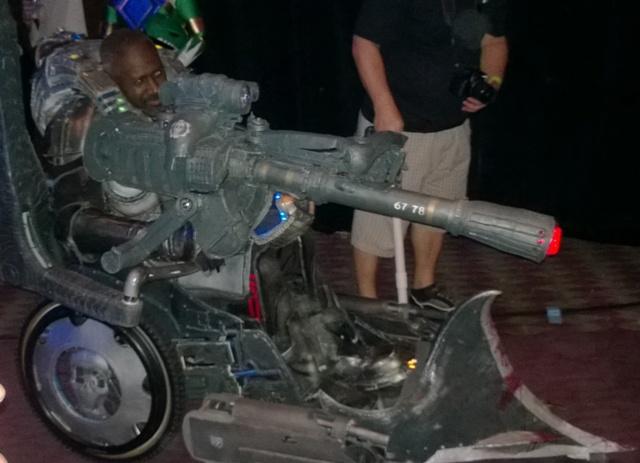 Gears of War Cosplayer