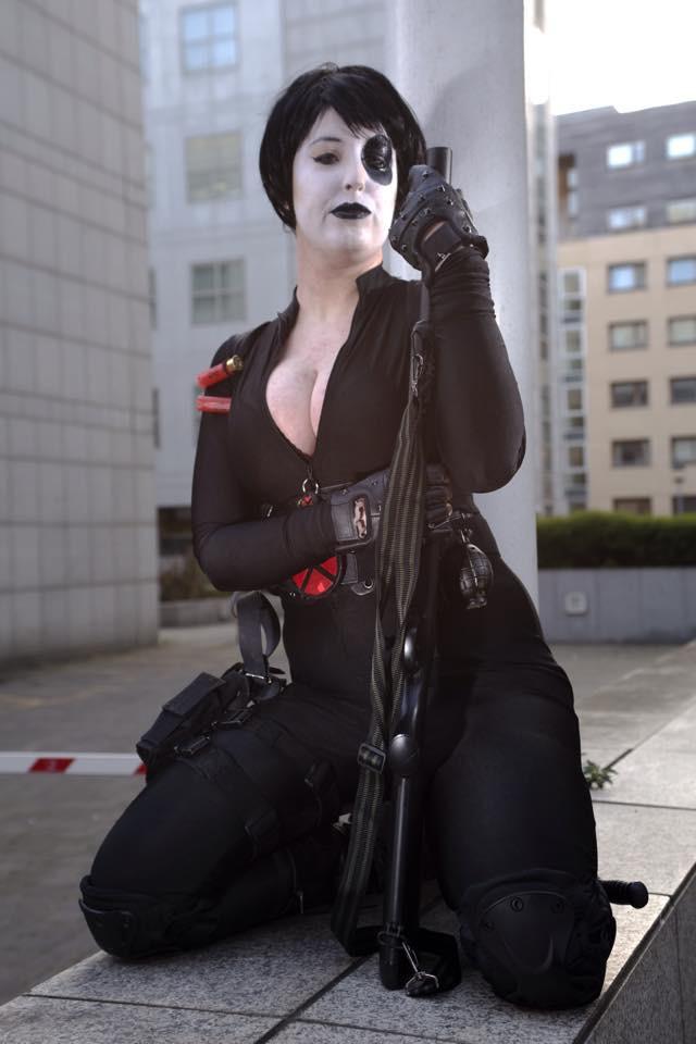 Domino, photo by Grahamedia