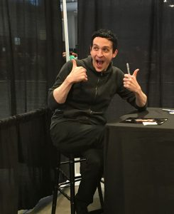 Robin Lord Taylor cuts up with fans at Walker Stalker Nashville. (PHOTO: Karen Kelley)